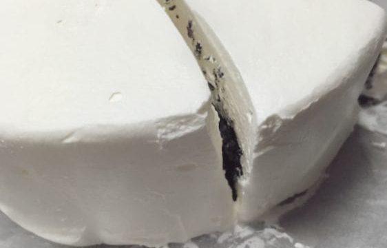 黒いチーズケーキ3