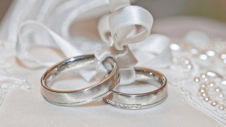 結婚指輪を選ぶ時は○○を決めよう【ケンカや後悔しないためにも】