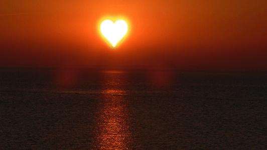 ハート型の夕日