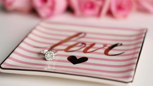 指輪とトレー